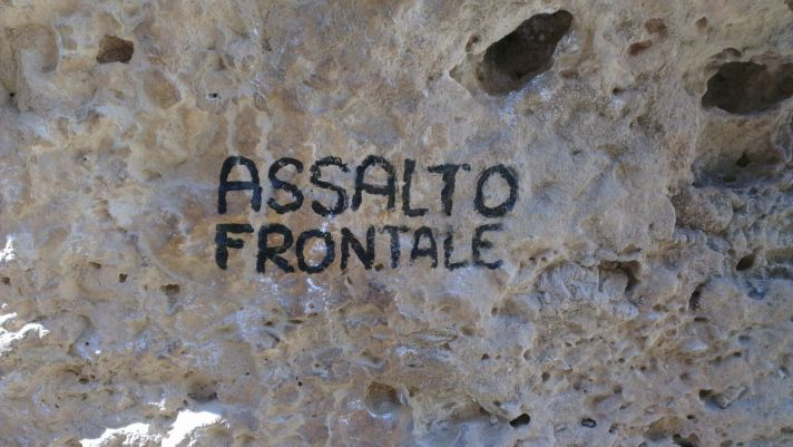 Assalto frontale small